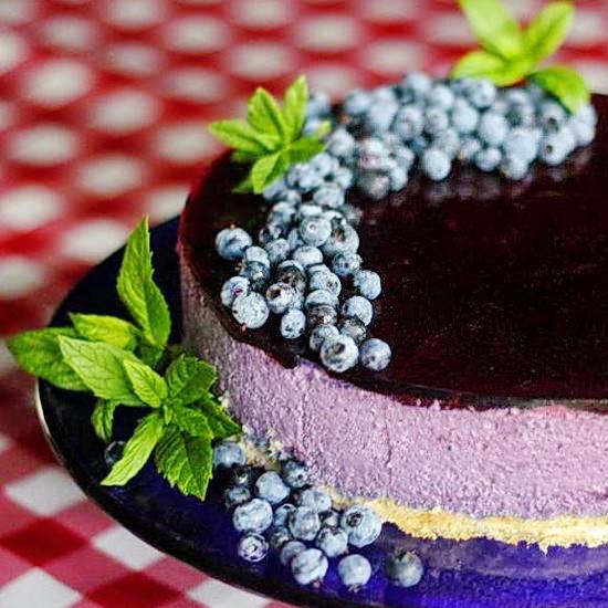 Blueberry Mousse Cake (Delice des Bleuets)