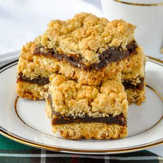 The Best Newfoundland Date Crumbles Recipe featured image