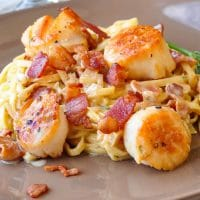 Pan Seared Scallops with Fettuccine in Bacon Fennel Cream Sauce