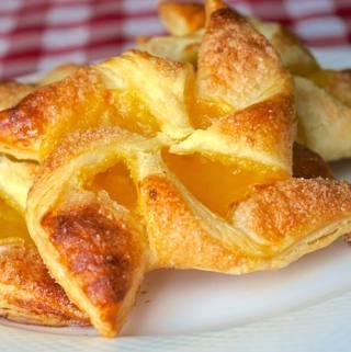 Easy Lemon Pinwheel Danish - using frozen puff pastry