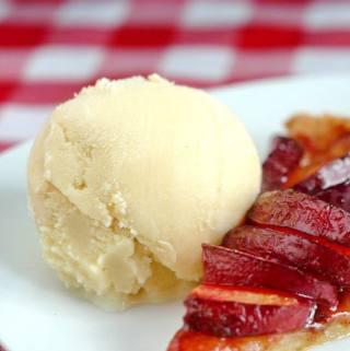 Vanilla Gelato – a homemade version of the Italian classic!