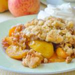 Old Fashioned Peach Crumble