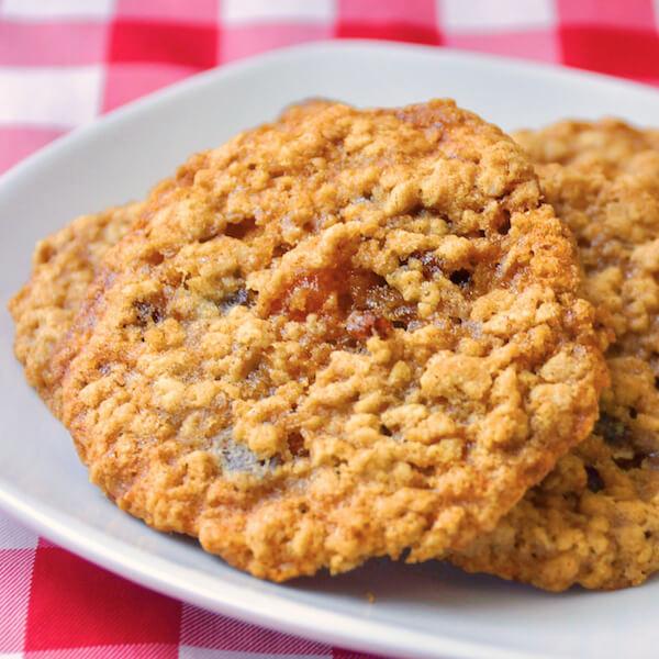 Apricot Raisin Five Spice Oatmeal Cookies