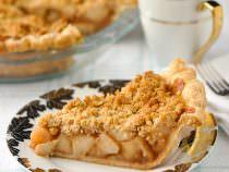 Deep Dish Apple Crumble Pie