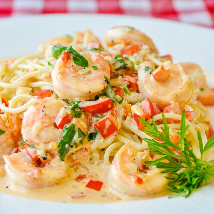 Spicy Creamy Garlic Shrimp Pasta close up image for featured photo