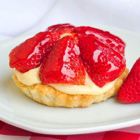 Strawberry Custard Tarts aka Tim Tarts