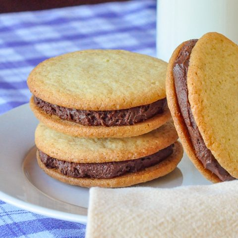 Vanilla Fudge Sandwich Cookies square cropped close up featured image