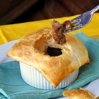 Easy Steak and Onion Pie