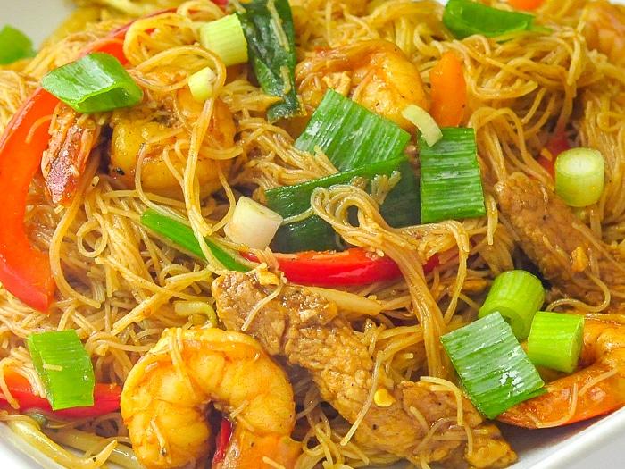 Singapore Noodles close up photo of finished dish