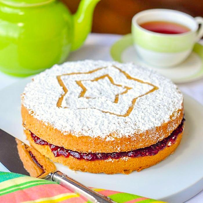 Classic Victoria Sandwich Cake