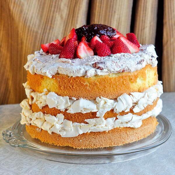 Strawberry Fool Pavlova Cake