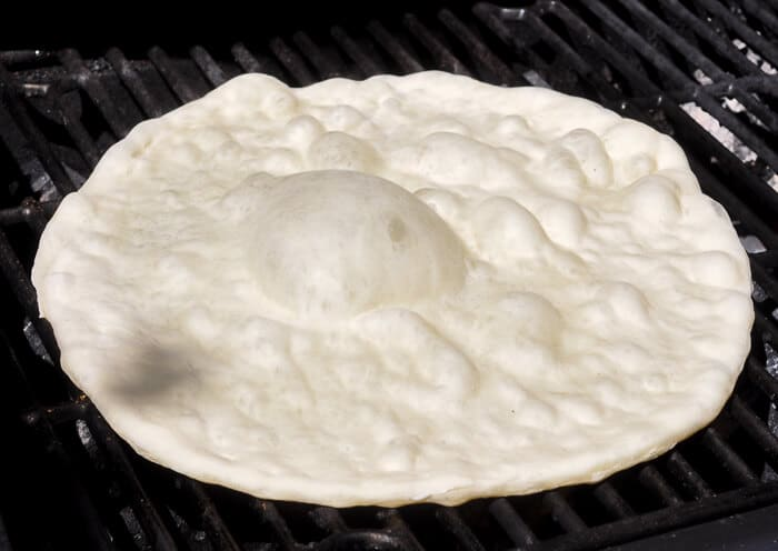 How to make perfect grilled pizza