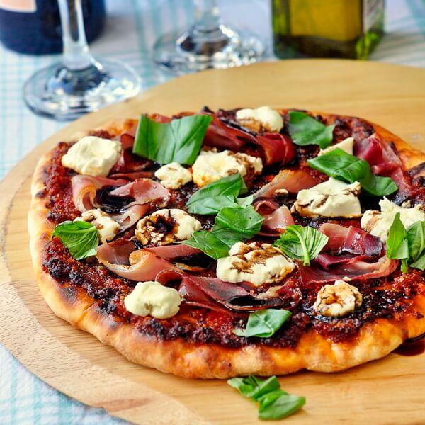 Sundried Tomato Almond Pesto Pizza