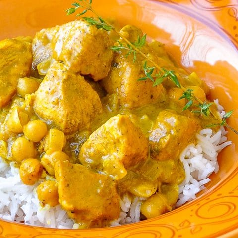 30 minute Easy Chicken and Chickpea Curry