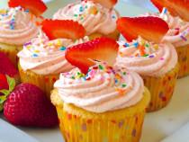 Strawberry Buttercream Cupcakes