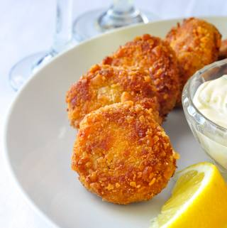 Mini Crab Cakes with Lime Chive Mayonnaise