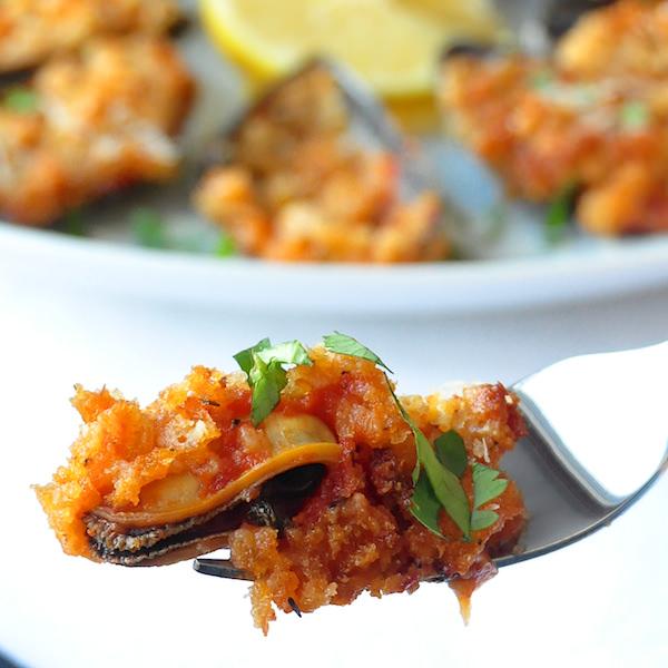 Parmesan Marinara Baked Mussels