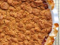 Easy Deep Dish Graham Cracker Apple Crisp