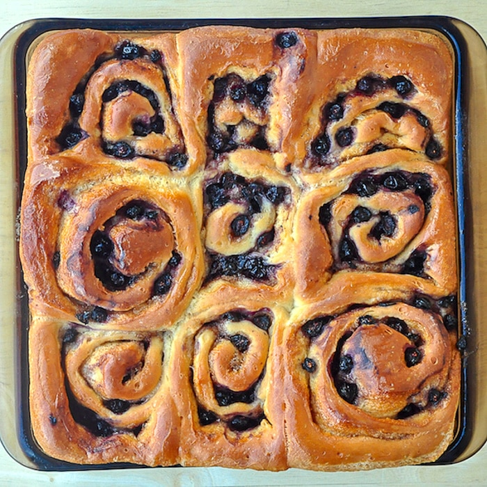 Sticky Blueberry Cinnamon Rolls