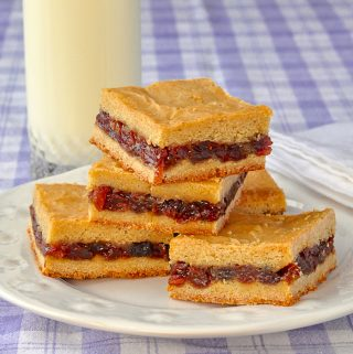 Raisin Filled Cookies – made as cookie bars