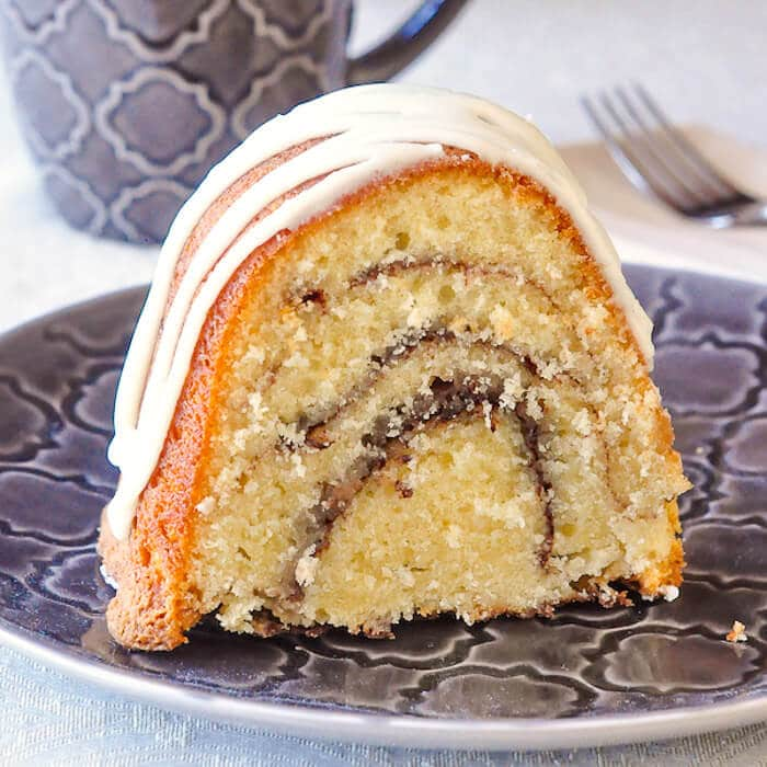 Cinnamon Roll Cake - an old fashioned, easy to prepare, moist and delicious cake for coffee breaks, weekday dessert, packed lunches or weekend brunch.