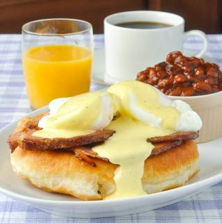 Toutons Benedict featured image