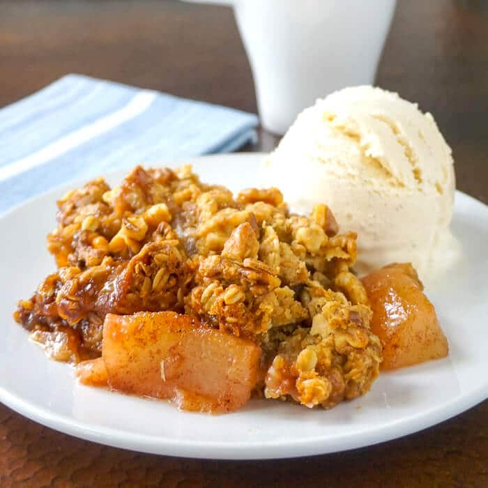 Pear Crumble with Walnuts