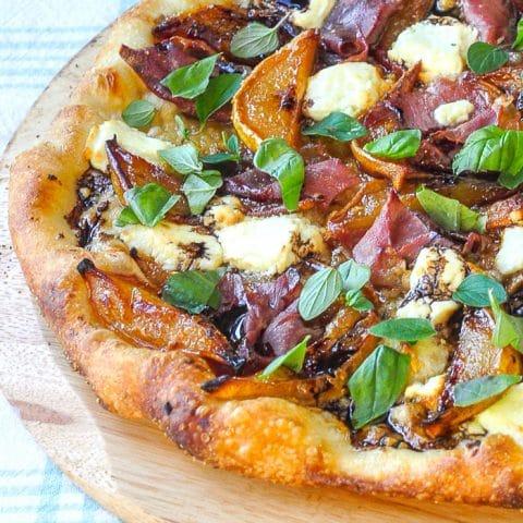 Caramelized Pear Prosciutto Pizza