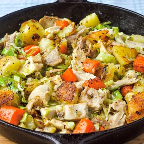 Bubble and Squeak photo of finished recipe in a cast iron skillet